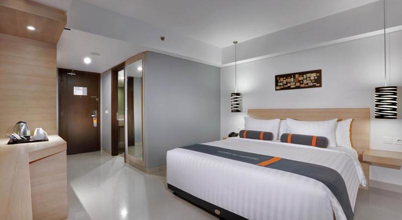 Room Harper Mt. Haryono Jakarta