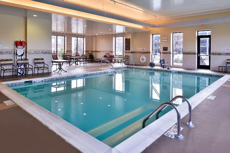 Pool Hyatt Place Herndon Dulles Arpt E