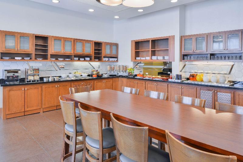 Restaurant Hyatt Place Herndon Dulles Arpt E