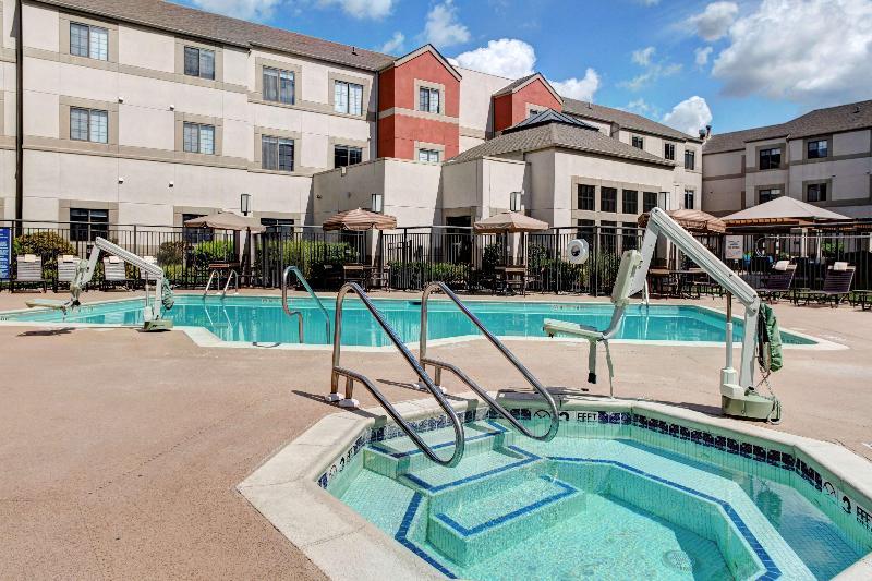 Pool Hyatt House Morristown