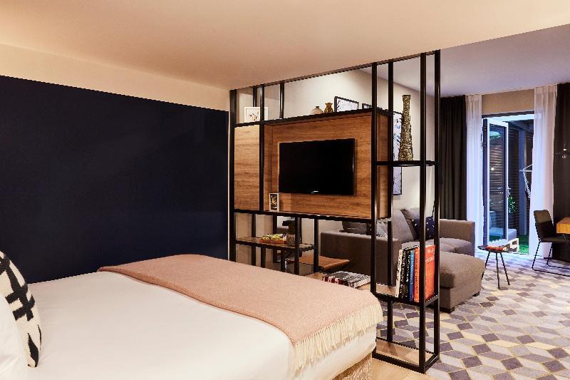 Room Indigo Antwerp City Centre