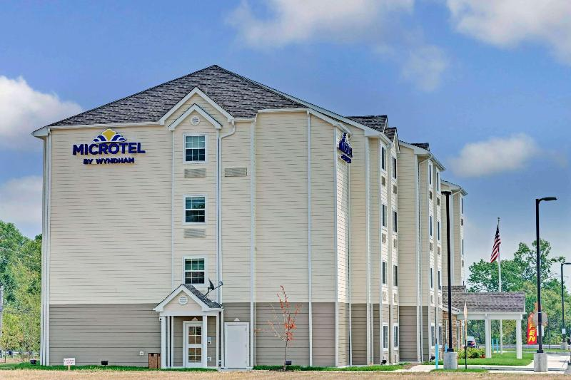 General view Microtel Inn & Suites By Wyndham Philadelphia Air