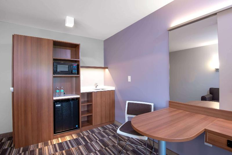 Room Microtel Inn & Suites By Wyndham Philadelphia Air