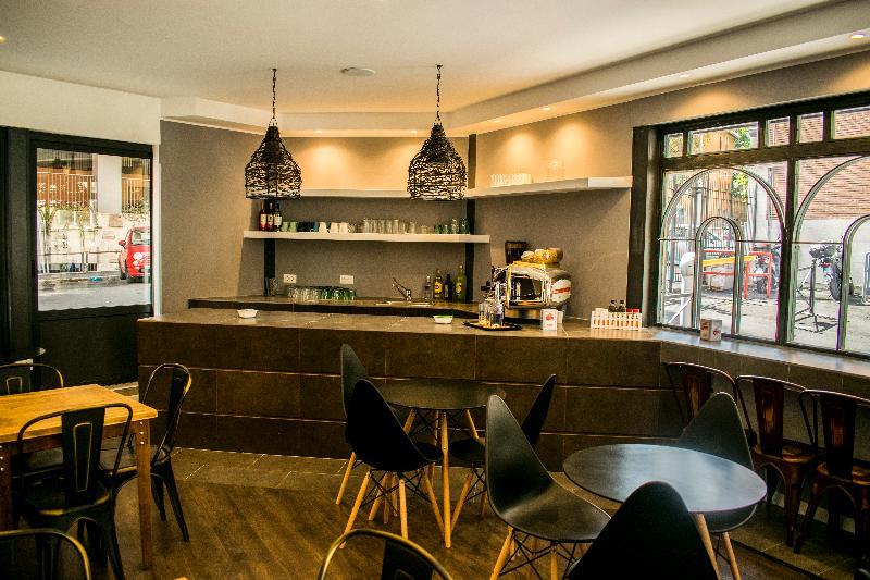 Bar Trustever Hostel