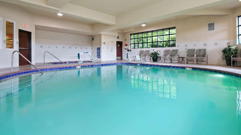 Pool Best Western Liberty Inn Dupont