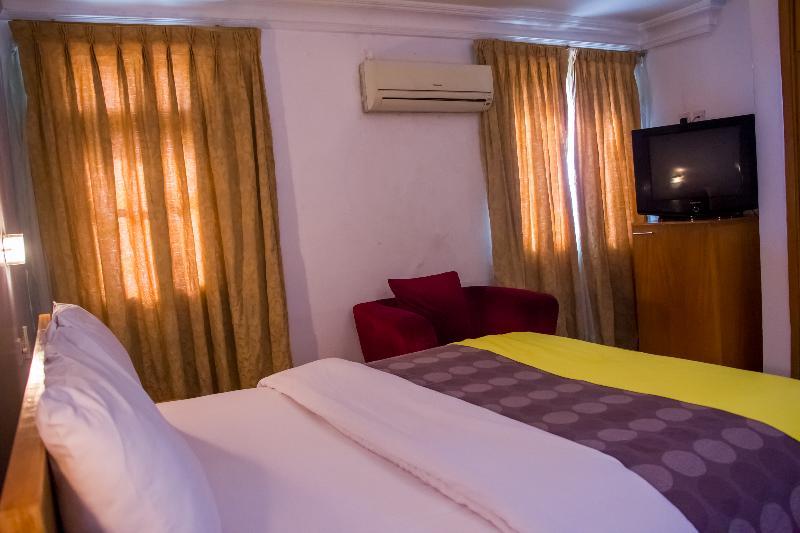 Room Nne-eka Residence