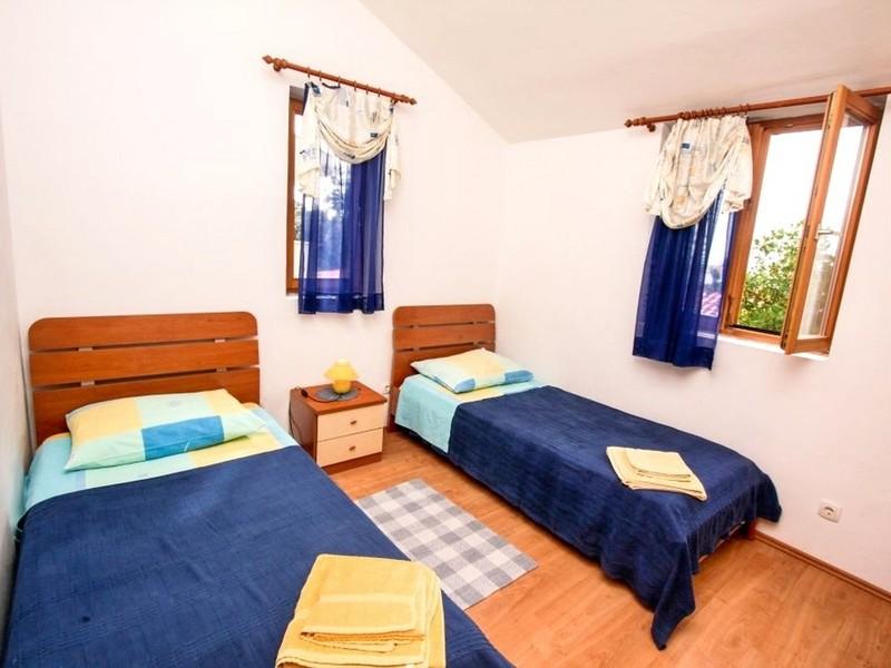 Room Apartments Irena