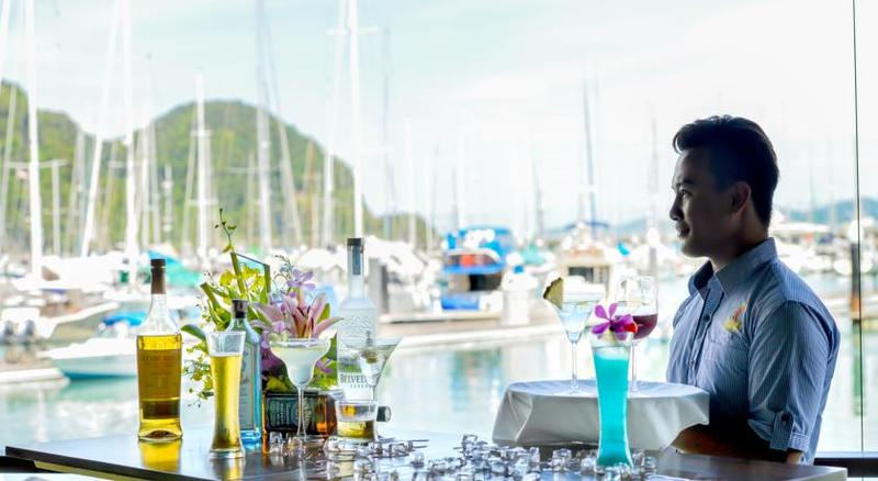 Bar Royal Langkawi Yacht Club