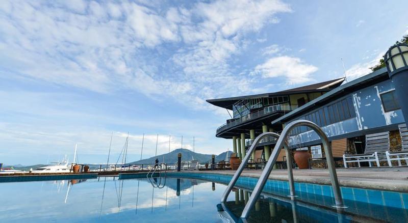 Pool Royal Langkawi Yacht Club