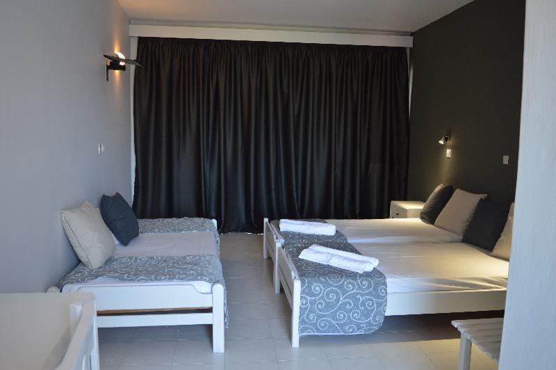 Room Alkyonides Hotel Studios