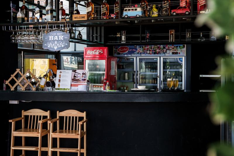 Bar The Loft Seaside Sriracha