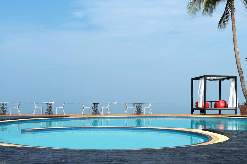 Pool The Loft Seaside Sriracha