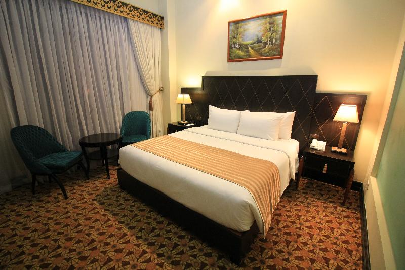 Room The Luneta