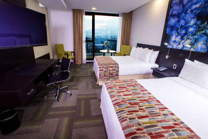 Room Wyndham Quito Airport