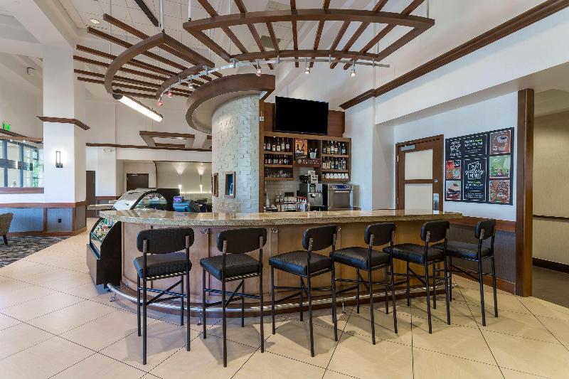 Bar Hyatt Place Houston Bush Airport
