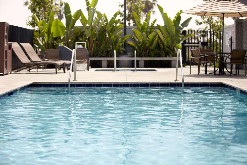 Pool Hyatt Place Houston Bush Airport