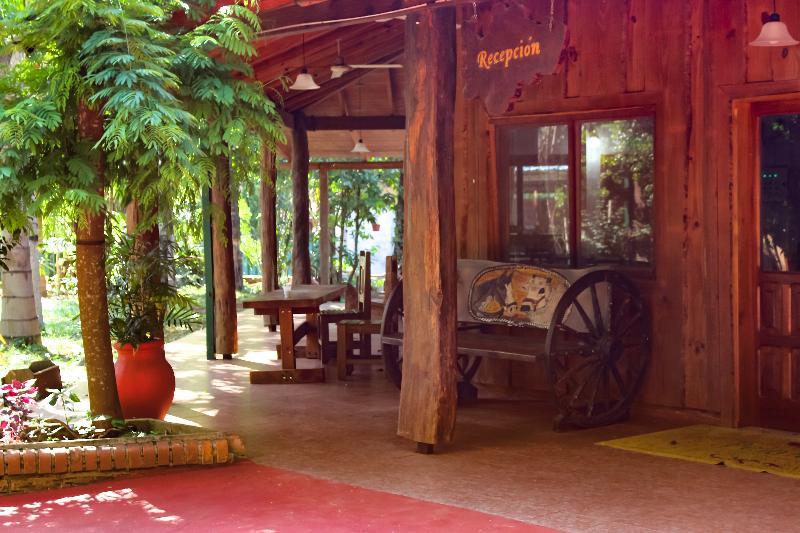 Lobby Palo Rosa Lodge