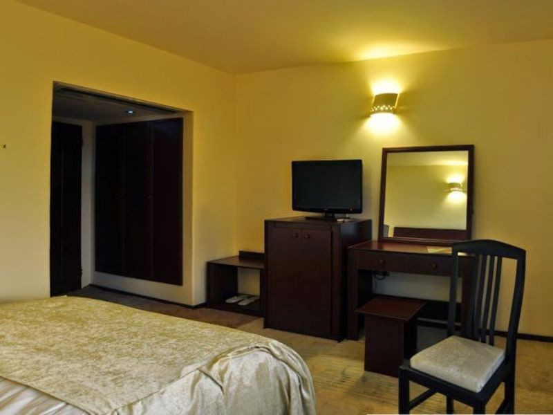 Room Negarestan Hotel