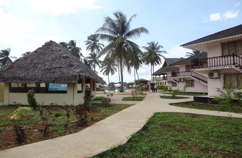 Lobby Kitete Beach Bungalows