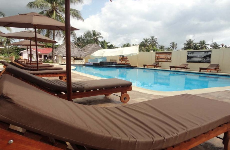 Pool Kitete Beach Bungalows