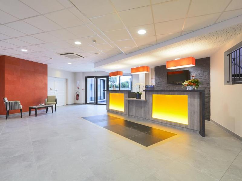Lobby Kyriad Angers Ouest Beaucouze