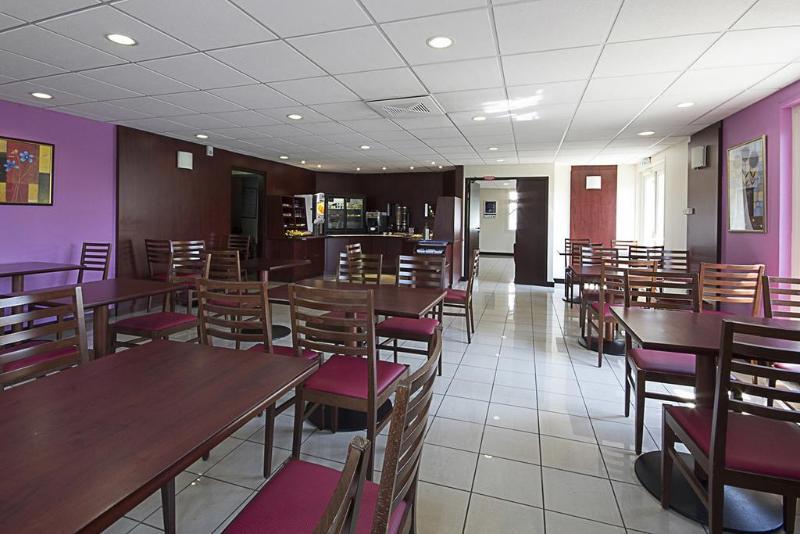 Restaurant Kyriad Bordeaux Lormont