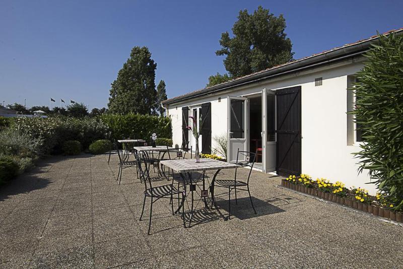 Terrace Kyriad Bordeaux Lormont
