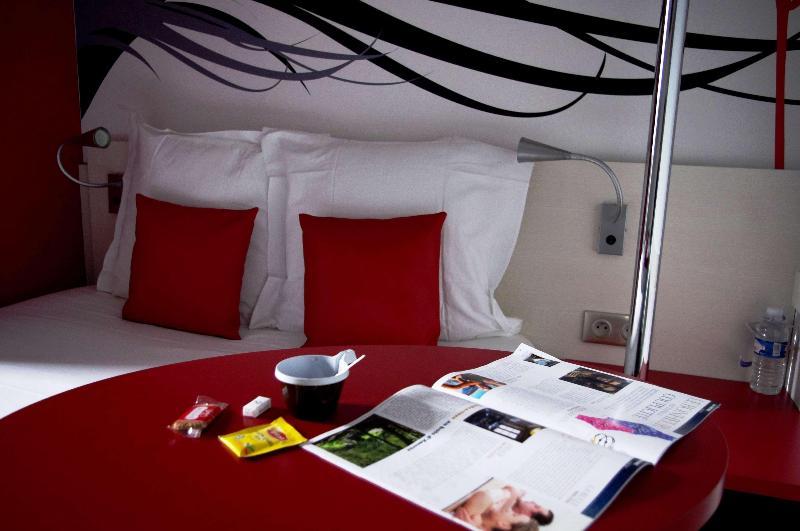Room Kyriad Quimper Sud