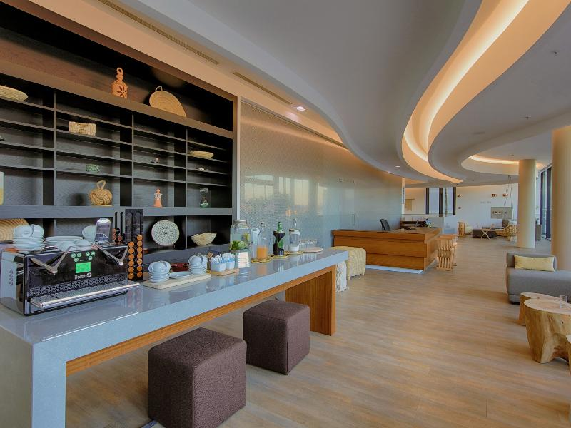 Lobby Jupiter Marina Hotel - Couples & Spa