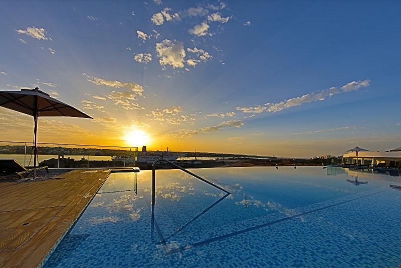 Pool Jupiter Marina Hotel - Couples & Spa