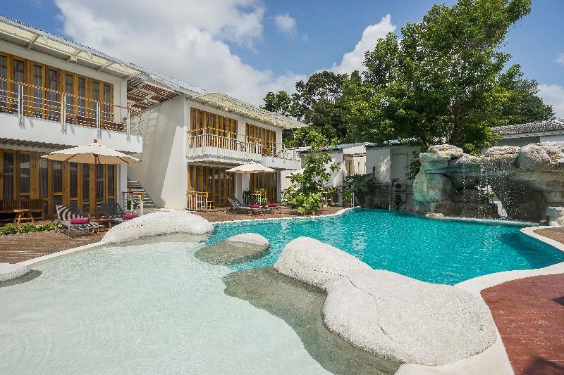 Pool White Sand Samui Resort