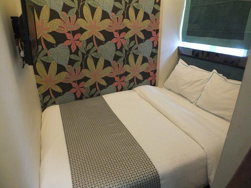 Room Seasons Hotel