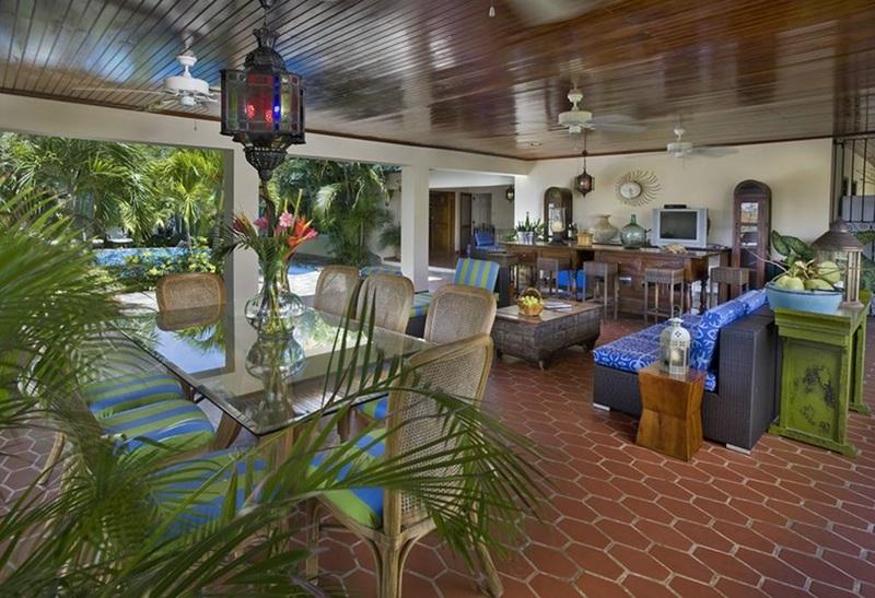 Lobby Allamanda Estate