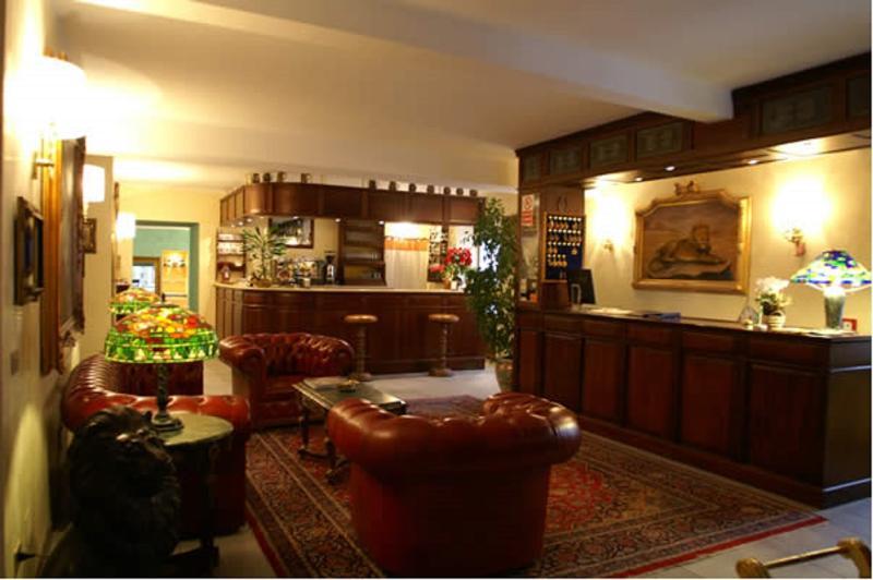 Lobby Hotel Lion