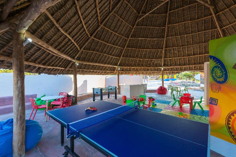 Sports and Entertainment Azao Resort & Spa