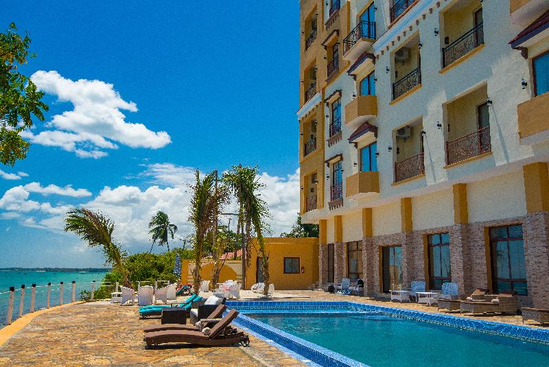 Pool Golden Tulip Zanzibar Resort