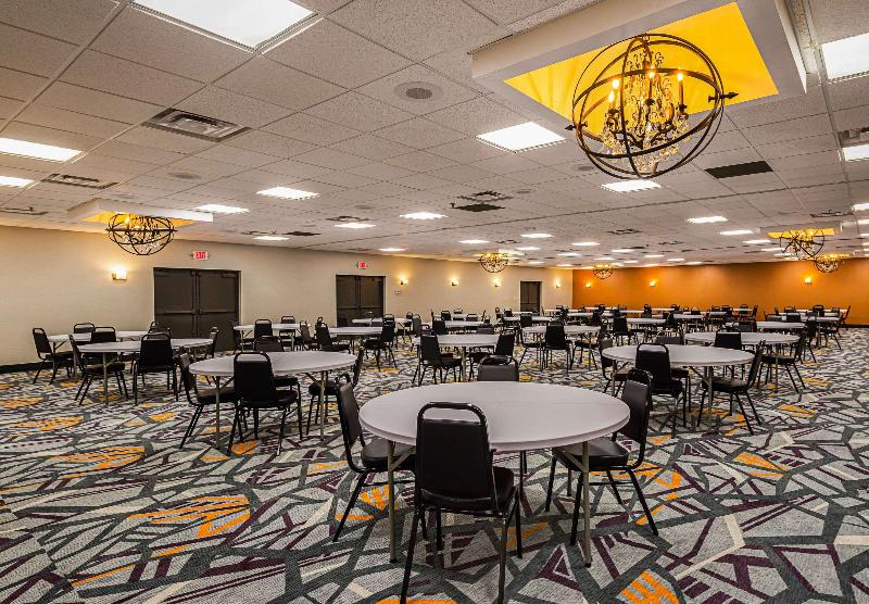 Conferences Clarion Inn & Suites Downtown Knoxville