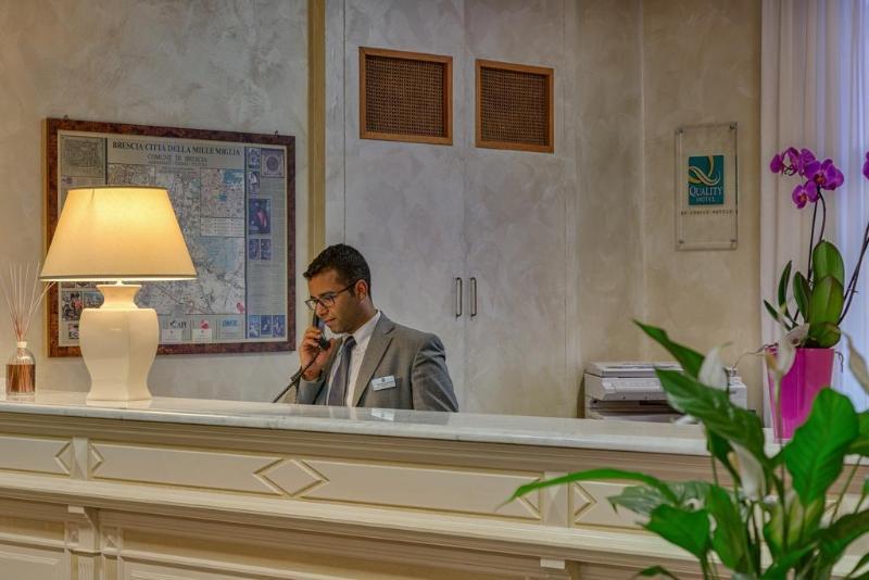 Lobby Quality Hotel Continental Brescia