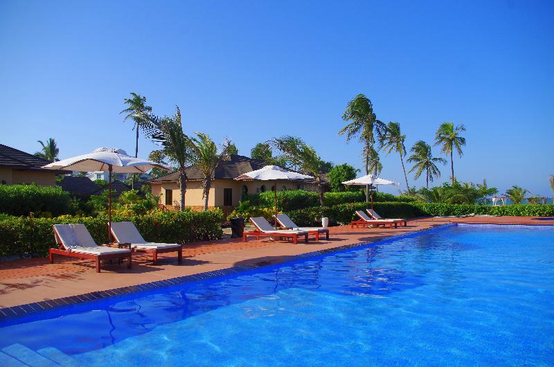 Pool The Sands Beach Resort