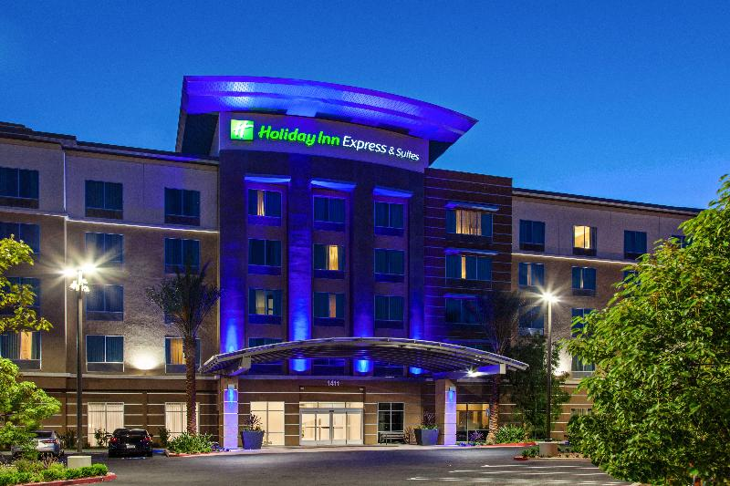 Holiday Inn Express and Suites Anaheim Foto 7