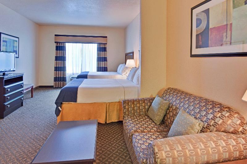 Room Holiday Inn Express Delano Hwy 99