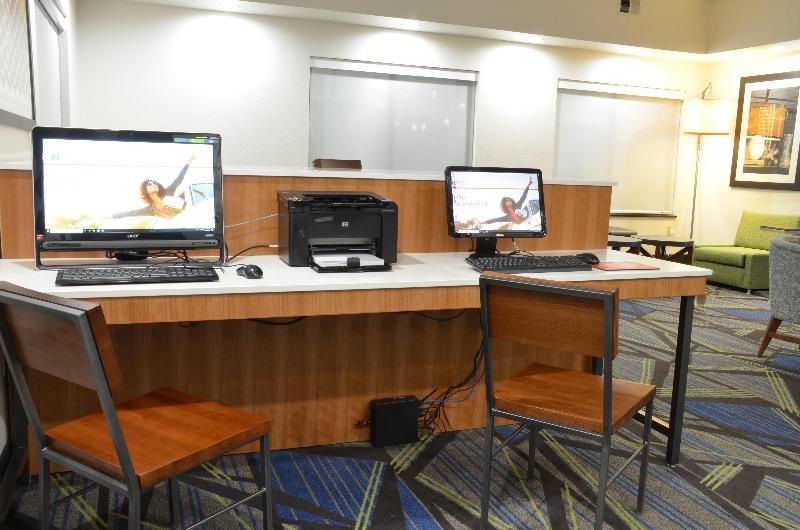 General view Holiday Inn Express Waterloo Cedar Falls