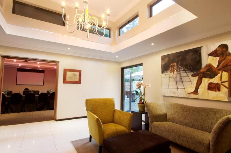 Lobby Hotel 224 Serviced Apartments