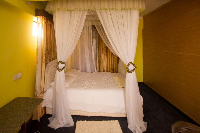Room New Zonic Hotel