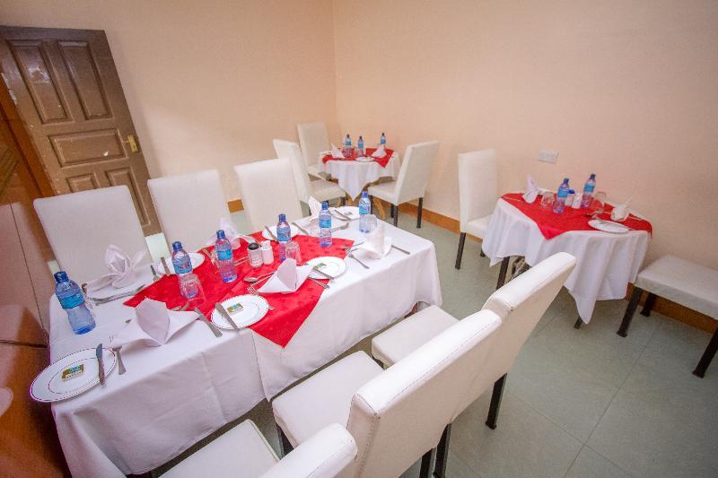 Restaurant Sunshine Hotel Tengecha