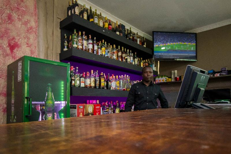 Bar Balis Best Bar & Resort