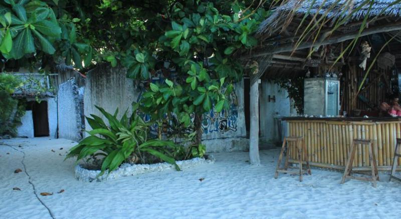 Bar Nyamkwi White Sands