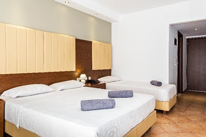 Room White Olive