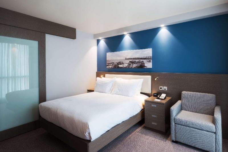 Room Hampton By Hilton Aberdeen Westhill