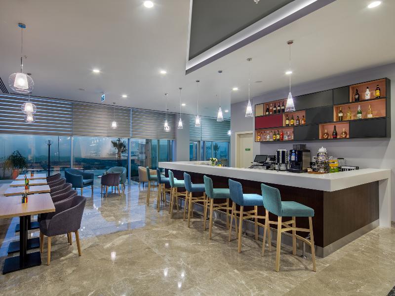 Bar Park Inn By Radisson Samsun